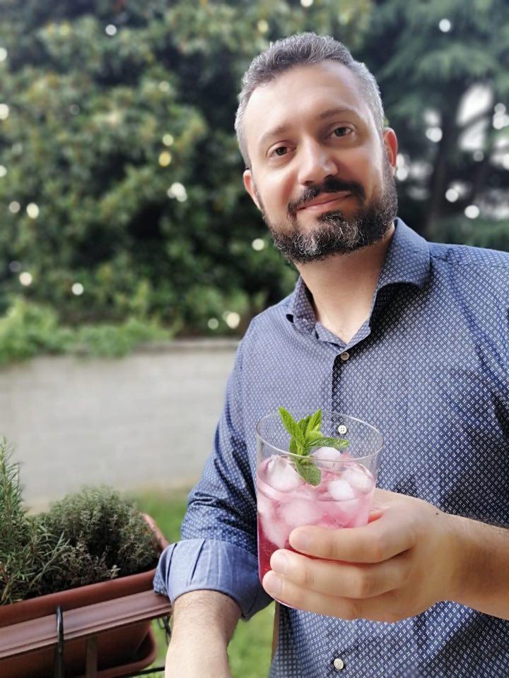 Luca Mereghetti: sorsi d'estate al New Antony Cafè di Magenta